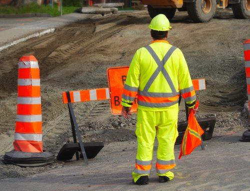 Signaleur de chantier routier